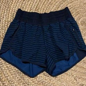 Tracker short lulu lemon